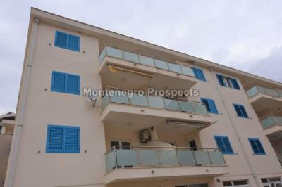 One-bedroom-apartment-located-in-a-small-complex--Becici--12245--1-