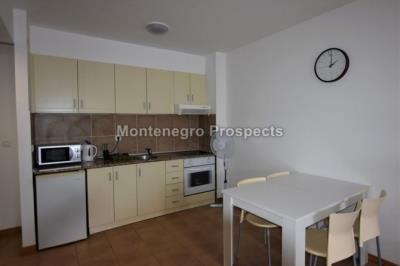 One-bedroom-apartment-located-in-a-small-complex--Becici--12245--3-