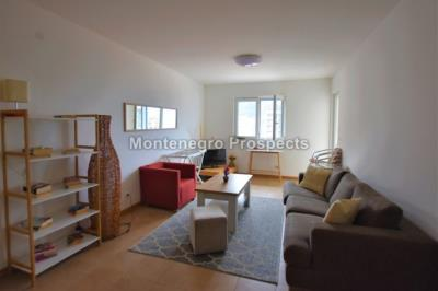 One-bedroom-apartment-located-in-a-small-complex--Becici--12245--4-