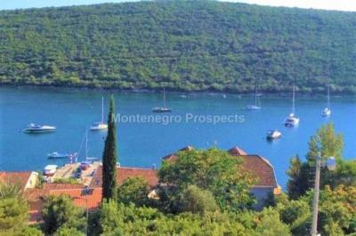 Two-bedroom-apartment-with-beautiful-sea-views-in-Bigova-13169-1-670x446_1202x800-670x446