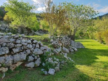Large-plot-with-a-house-and-two-ruins-for-sale--Skadar-Lake--13171--1-_1600x1200
