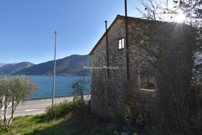 Spacious-old-stone-house-with-large-plot-just-few-steps-from-the-sea--Lipci--13165--4-