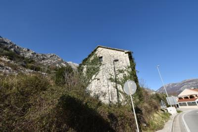 Spacious-old-stone-house-with-large-plot-just-few-steps-from-the-sea--Lipci--13165--13-