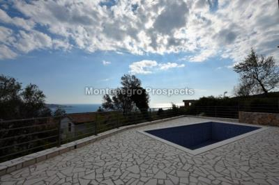 villa-with-pool-and-stunning-sea-views-Bar--8-