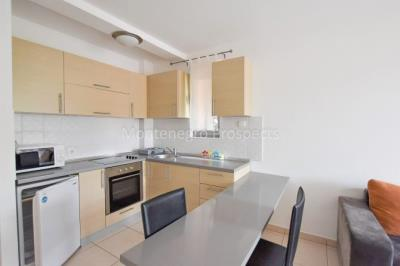 Apartment-in-Becici-for-sale-1-of-1-5-670x446