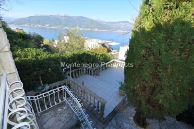 Beautiful-cosy-villa-in-Krasici--only-few-steps-from-the-sea--11060--6-