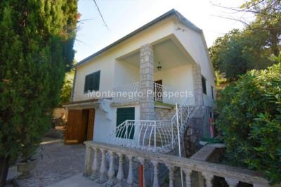 Beautiful-cosy-villa-in-Krasici--only-few-steps-from-the-sea--11060--10-