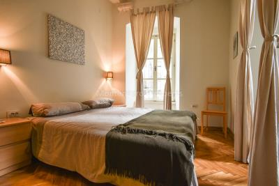 Two-bedroom-apartment-for-sale-in-the-Old-town-of-Kotor--10-