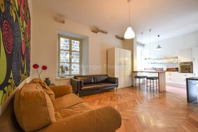 Two-bedroom-apartment-for-sale-in-the-Old-town-of-Kotor--14-