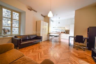 Two-bedroom-apartment-for-sale-in-the-Old-town-of-Kotor--13-
