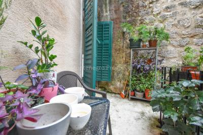 Two-bedroom-apartment-for-sale-in-the-Old-town-of-Kotor--15-