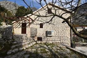 Image No.2-Maison de ville de 3 chambres à vendre à Kotor