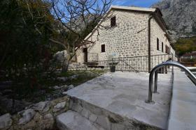 Image No.23-Maison de ville de 3 chambres à vendre à Kotor