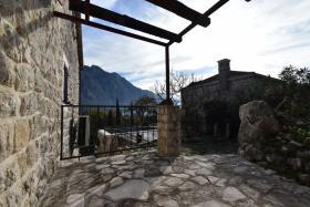 Image No.4-Maison de ville de 3 chambres à vendre à Kotor
