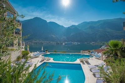 Two-bedroom-apartment-with-stunning-sea-views--Kotor--13204--4-