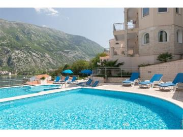 Two-bedroom-apartment-with-stunning-sea-views--Kotor--13204--1-