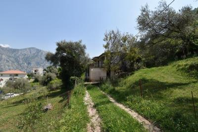 Two-level-house-in-need-of-renovation-for-sale-with-sea-views-in-Kotor-Bay--7975--2-