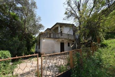 Two-level-house-in-need-of-renovation-for-sale-with-sea-views-in-Kotor-Bay--7975--4-