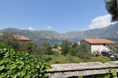 Two-level-house-in-need-of-renovation-for-sale-with-sea-views-in-Kotor-Bay--7975--6-
