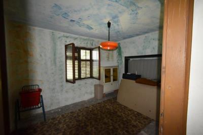 Two-level-house-in-need-of-renovation-for-sale-with-sea-views-in-Kotor-Bay--7975--9-