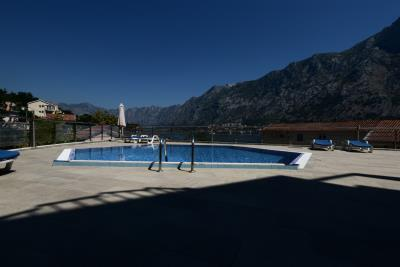 Spacious-one-bedroom-apartment-with-sea-views-Kotor--13190--3-