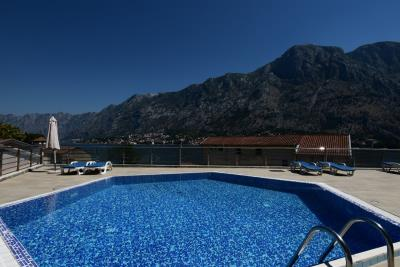Spacious-one-bedroom-apartment-with-sea-views-Kotor--13190--1-