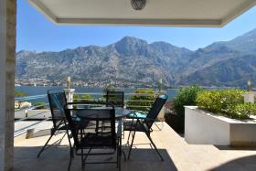 Image No.11-Appartement de 1 chambre à vendre à Kotor