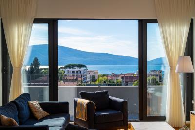 Three-bedroom-penthouse-with-sea-views-in-Donja-Lastva--Tivat-13212--4-