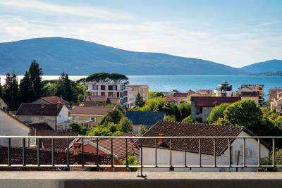 Three-bedroom-penthouse-with-sea-views-in-Donja-Lastva--Tivat-13212--2-