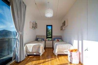 Three-bedroom-penthouse-with-sea-views-in-Donja-Lastva--Tivat-13212--28-