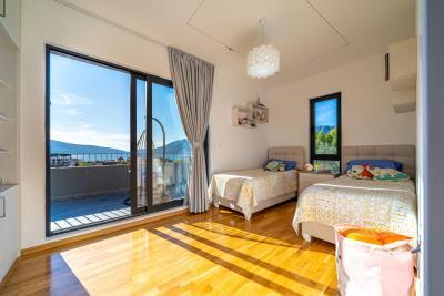Three-bedroom-penthouse-with-sea-views-in-Donja-Lastva--Tivat-13212--29-