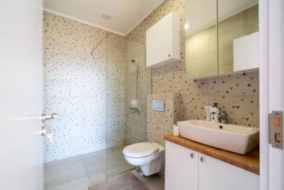 Three-bedroom-penthouse-with-sea-views-in-Donja-Lastva--Tivat-13212--39-