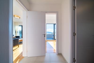 Three-bedroom-penthouse-with-sea-views-in-Donja-Lastva--Tivat-13212--40-