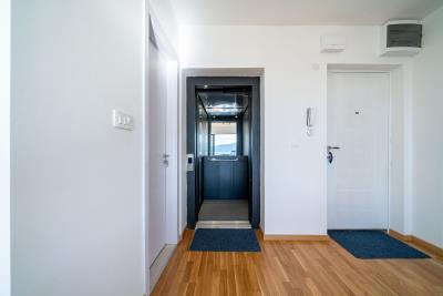 Three-bedroom-penthouse-with-sea-views-in-Donja-Lastva--Tivat-13212--41-
