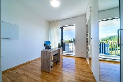 Three-bedroom-penthouse-with-sea-views-in-Donja-Lastva--Tivat-13212--44-