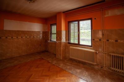 Prodaja-kuce-u-Danilogradu-uz-magistralu--15--ink