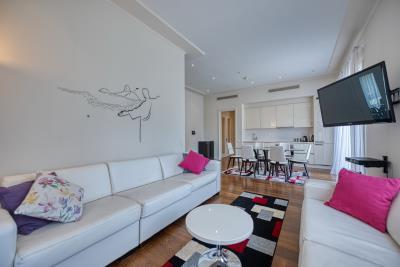 Charming-one-bedroom-apartment-in-Porto-Montenegro--10326--11-