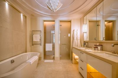 Stylish-and-spacious-apartment-for-sale-in-Porto-Montenegro--Tivat--10327--12-