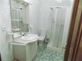 Image No.14-2 Bed Apartment for sale