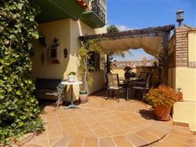Image No.1-6 Bed Villa for sale