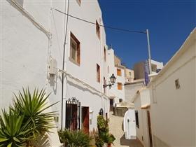 Image No.0-Maison de village de 4 chambres à vendre à Sierro