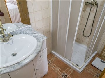 15346-village-house-for-sale-in-seron-344700-