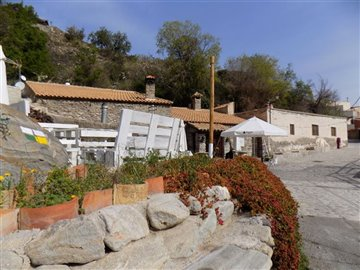 16838-village-house-for-sale-in-sierro-365338