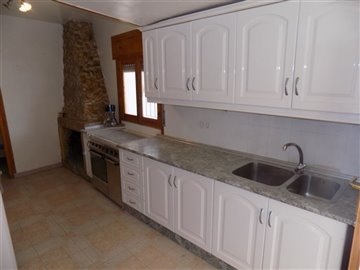 17350-village-house-for-sale-in-seron-398499-