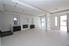 Image No.0-Villa / Détaché de 4 chambres à vendre à Kapparis