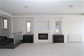 Image No.5-Villa / Détaché de 4 chambres à vendre à Kapparis