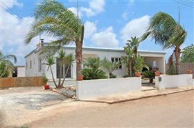 Image No.0-3 Bed Bungalow for sale