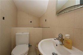 Image No.9-Propriété de 4 chambres à vendre à Deryneia