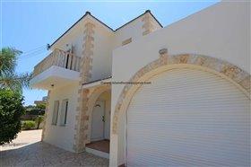 Image No.10-Propriété de 4 chambres à vendre à Deryneia