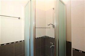 Image No.14-Propriété de 4 chambres à vendre à Deryneia